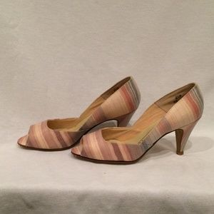 Naturalizer Pastel Striped Peep-toed shoes